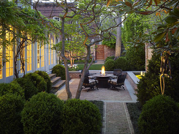 Florida landscape florida landscape architects for Landscaping a courtyard pictures